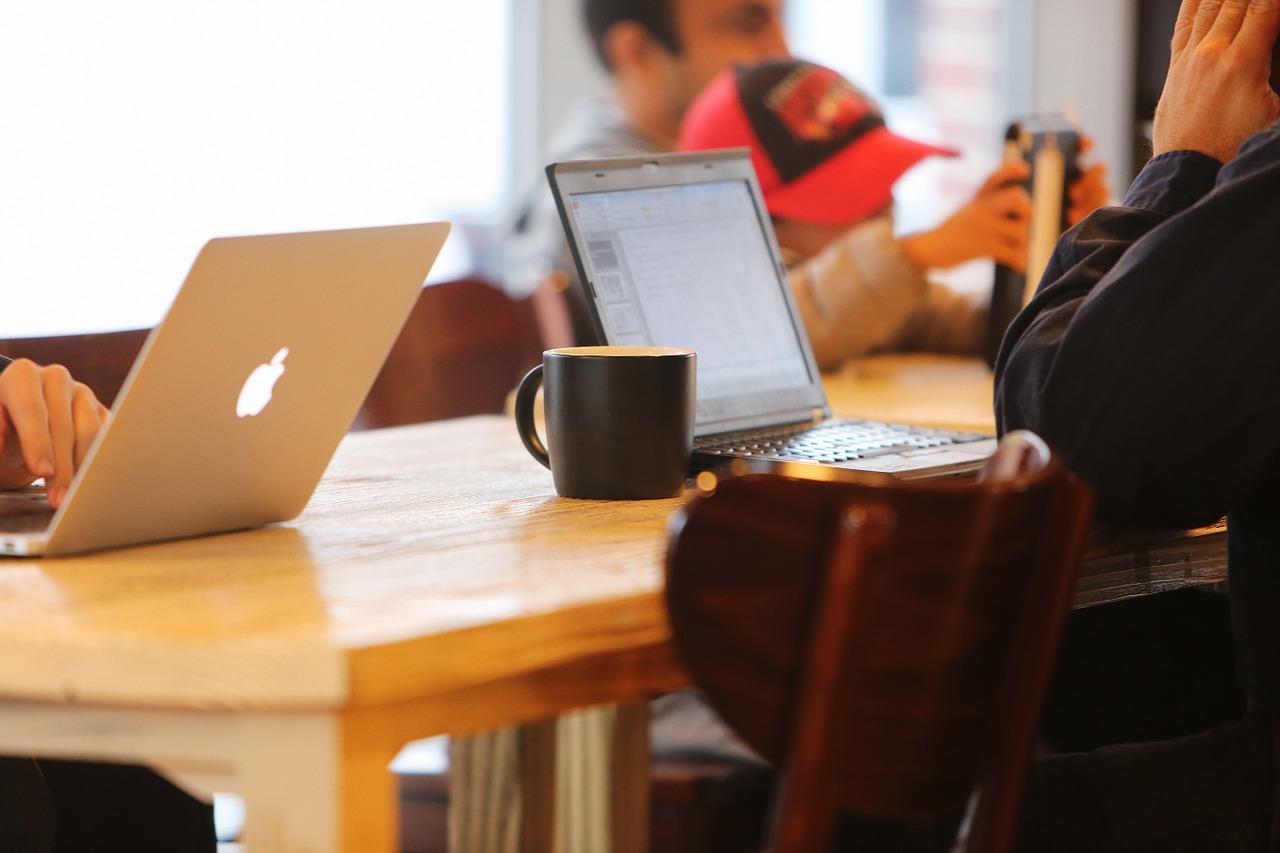 Redes sociales empresa acceso