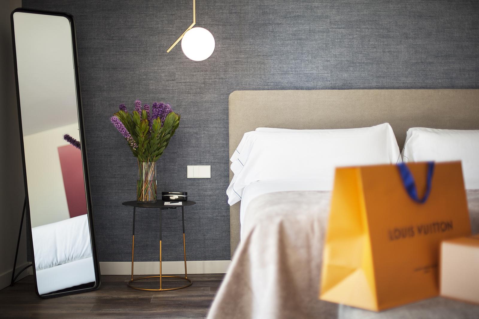 Hotel Sant Jaume Palma photoshooting detalle habitación cama