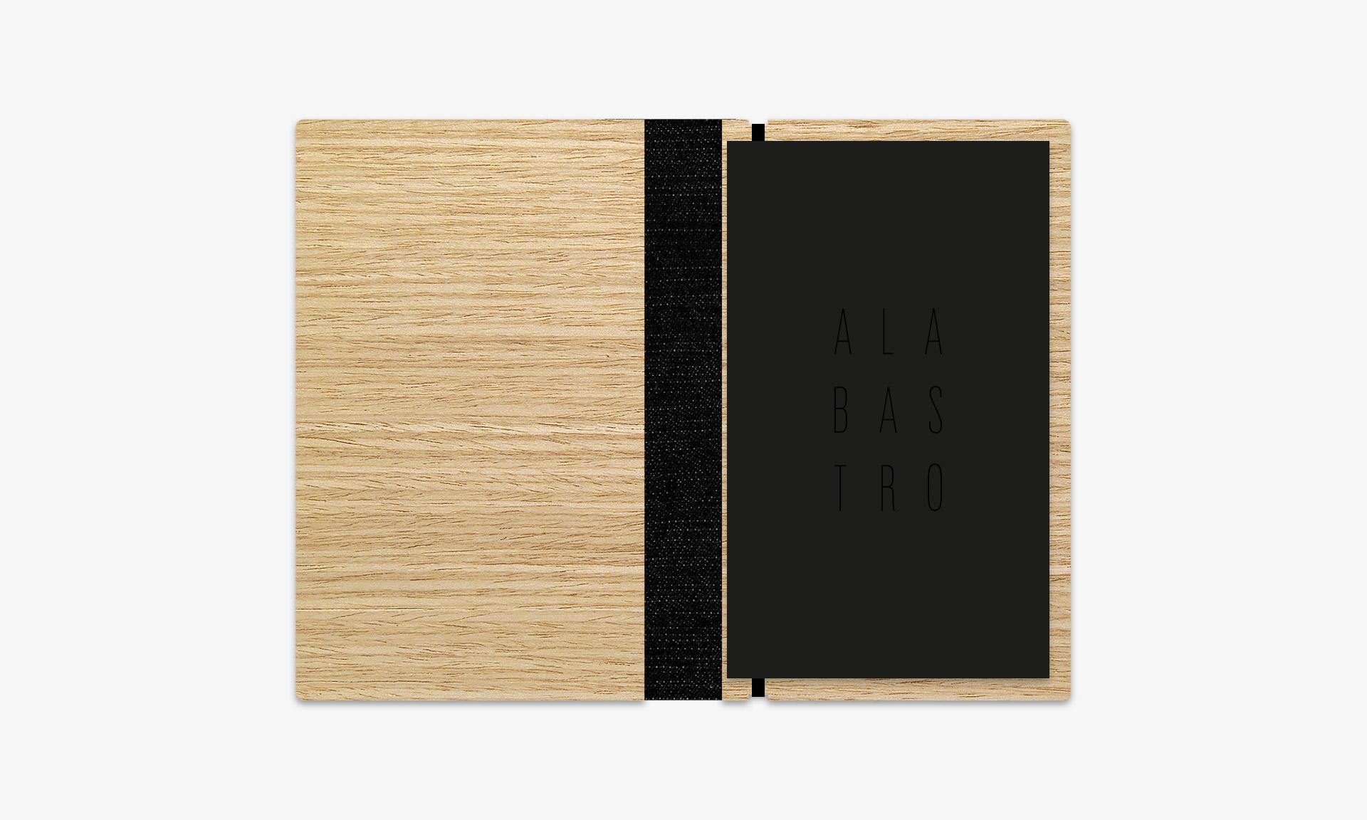 Aguas de Ibiza cartas Alabastro detalle interior negro