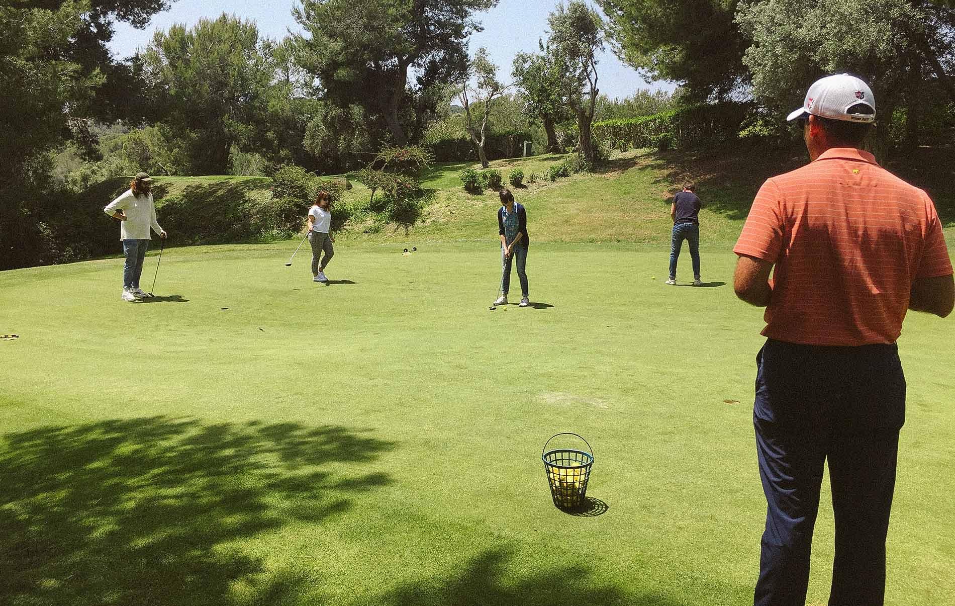 Taller 02 Mandarina Brand Society golf